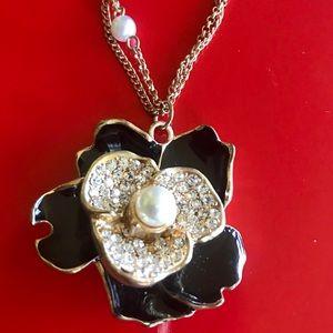 Black Diamond Pearl Floral Necklace